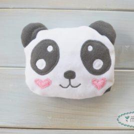 Panda meggymagpárna – szivecskés arcú
