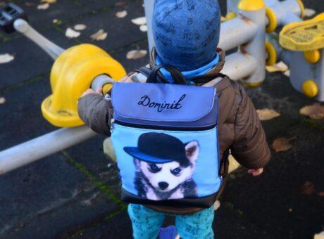 gyerek hátizsák bölcsis méretben névvel