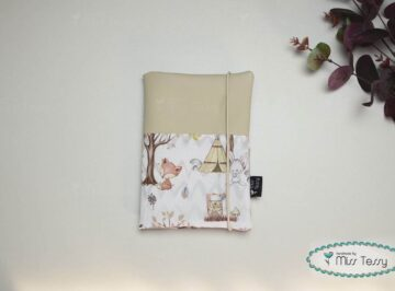 Vízhatlan egészségügyi kiskönyv borító -forest friends white