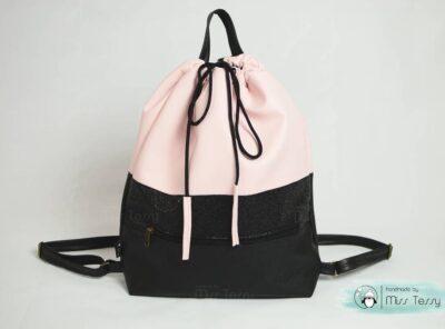 gym bag hátizsák anyukáknak púder fekete színben
