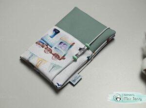 Vízhatlan egészségügyi kiskönyv borító – menta járművek